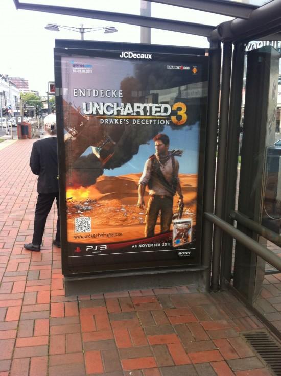 Uncharted 3: Werbung an einer Haltestelle